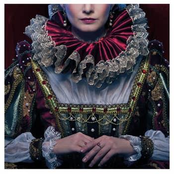 Queen In Royal Dress AluArt